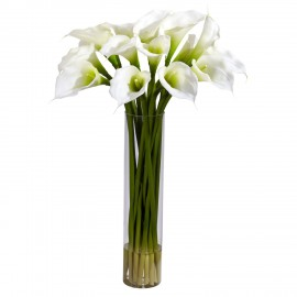 19 белых калл в вазе