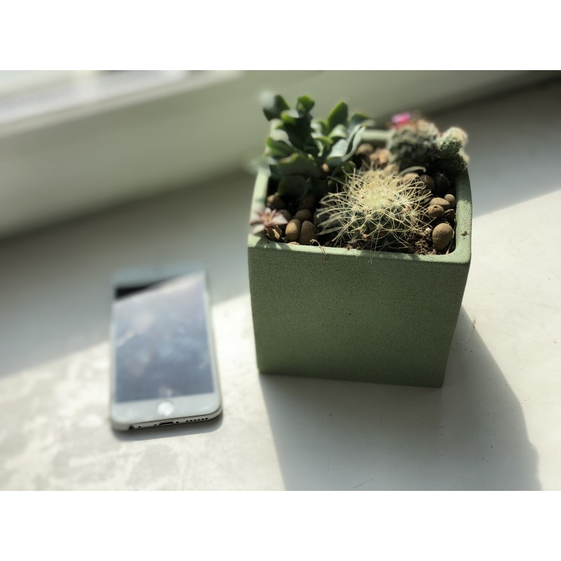 Зелёный горшечек